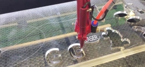 grafir laser dan cara kerjanya